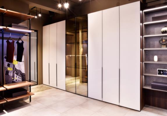 翰诺威白色衣柜定制丨素色时尚,明亮又舒适
